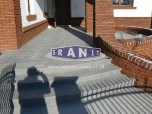 Schody-granit_antyposlizgowe_wewnetrzne_zewnetrzne-20_wynik